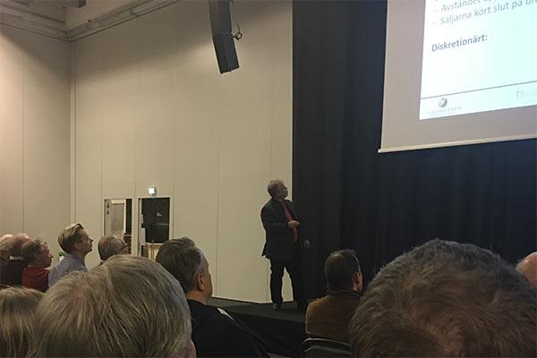 Tobbe Rosén presenterar BottomUp